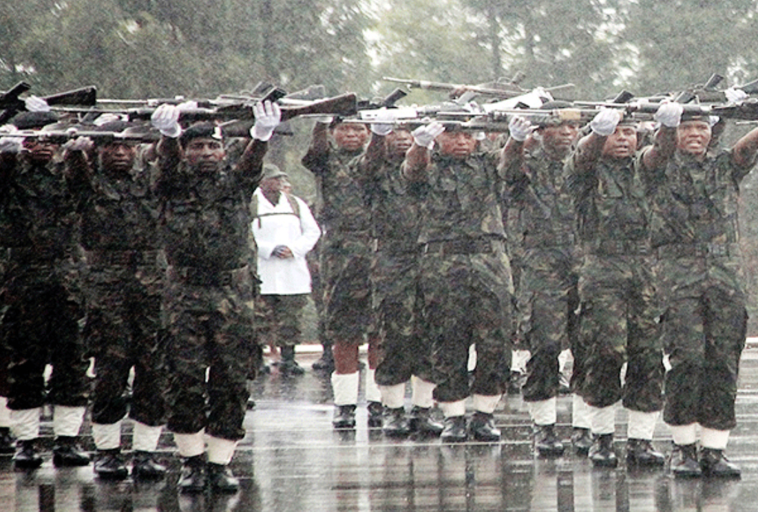 No soldier, police officer should earn less than E20,000.00 under a democratic government.