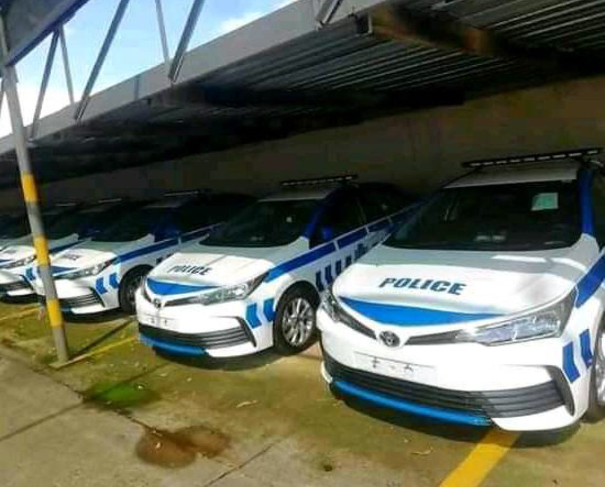 King Mswati grabs new police cars for his children escorts.