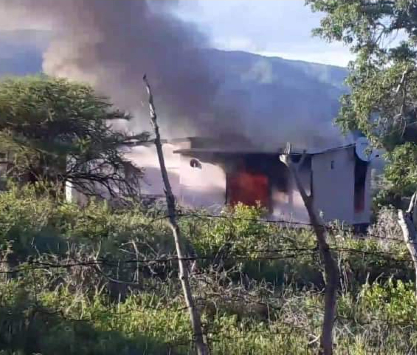 Buseleni residents burn home of suspect implicated in the disappearance of two minor children during Incwala ceremony.